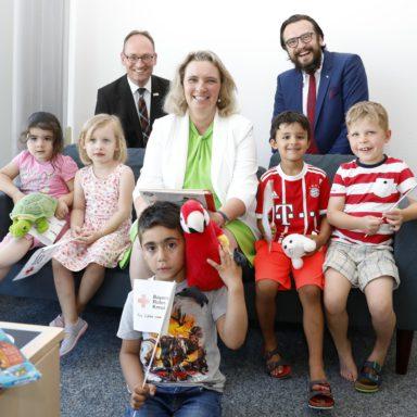 Staatsministerin Kerstin Schreyer mit dem Vorsitzenden Bernhard Seidenath und Kreisgeschäftsführer Paul Polyfka in der