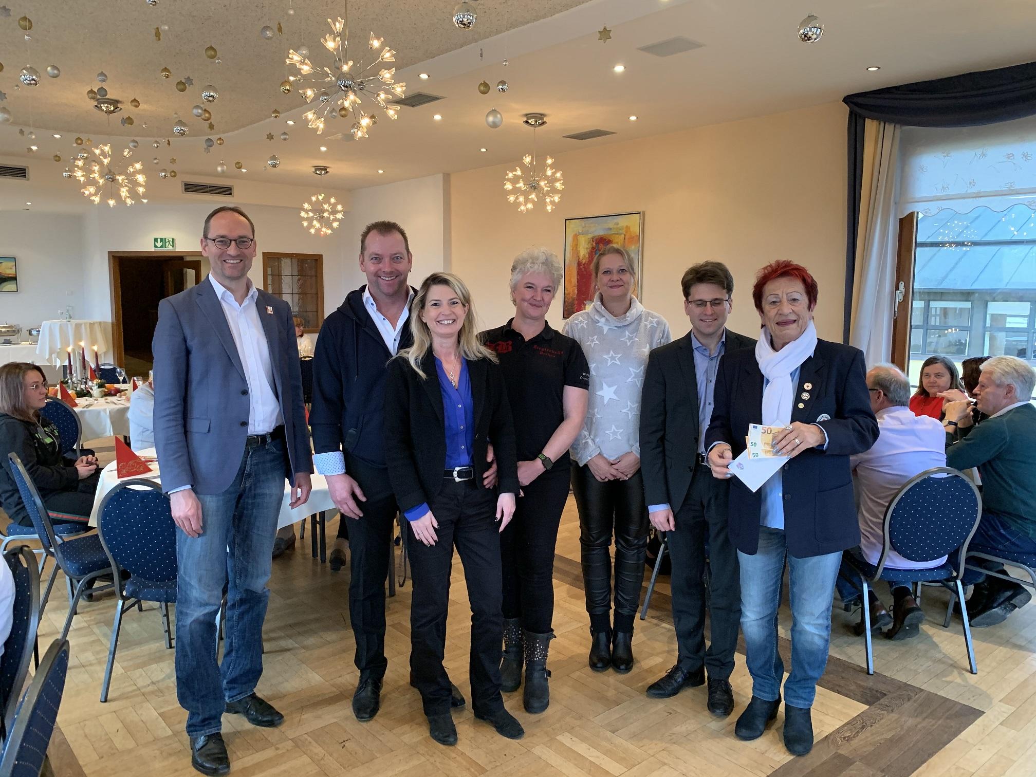 Bernhard Seidenath, Jürgen Vötter und Andrea Schneider, Tina Koprek und Sonja Dalla Pozza, OB Hartmann, Edda Drittenpreis