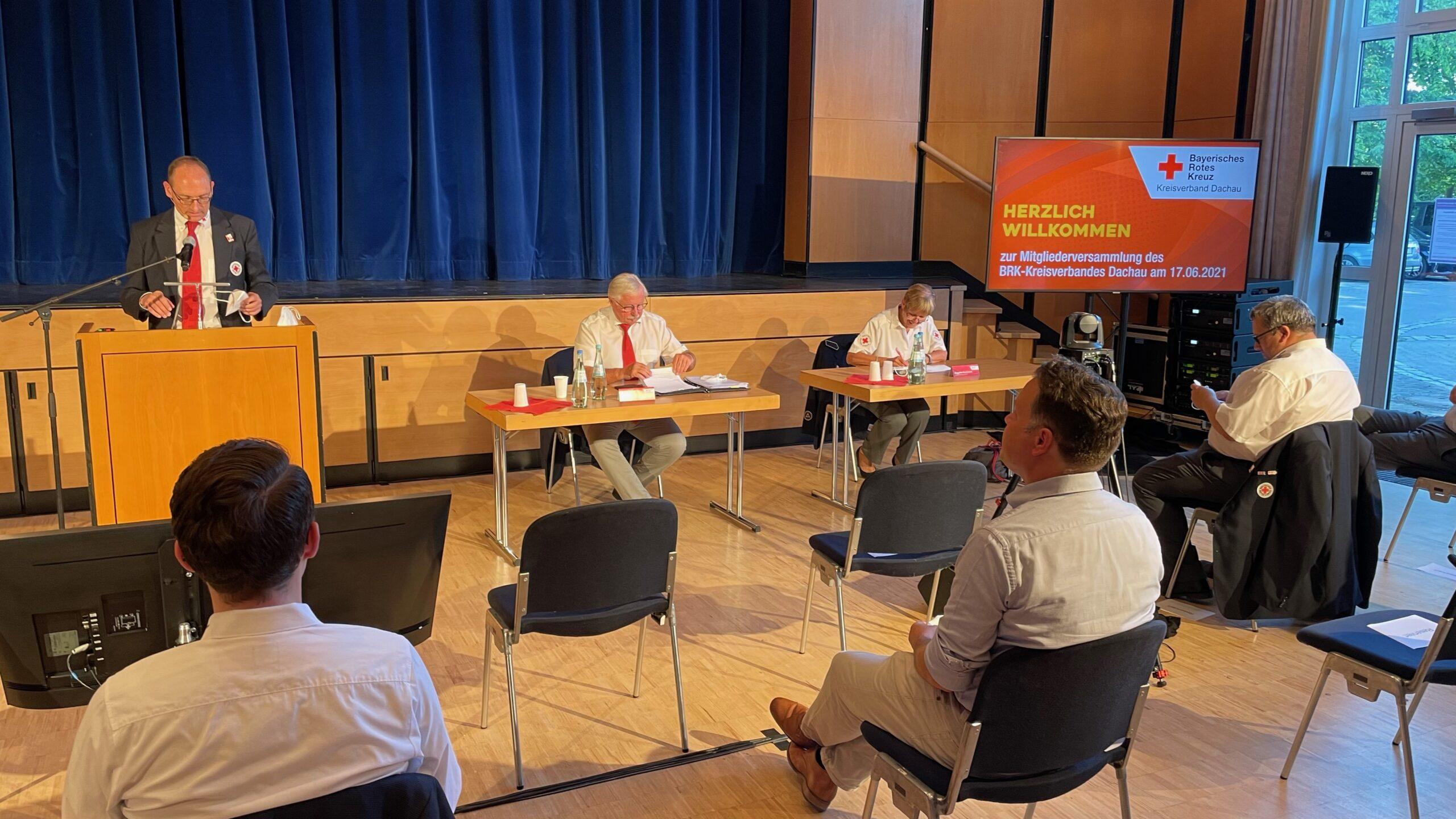 von li nach re: Mitgliederversammlung und Wahl mit Bernhard Seidenath, Hans Ramsteiner und Angelika Gumowski.